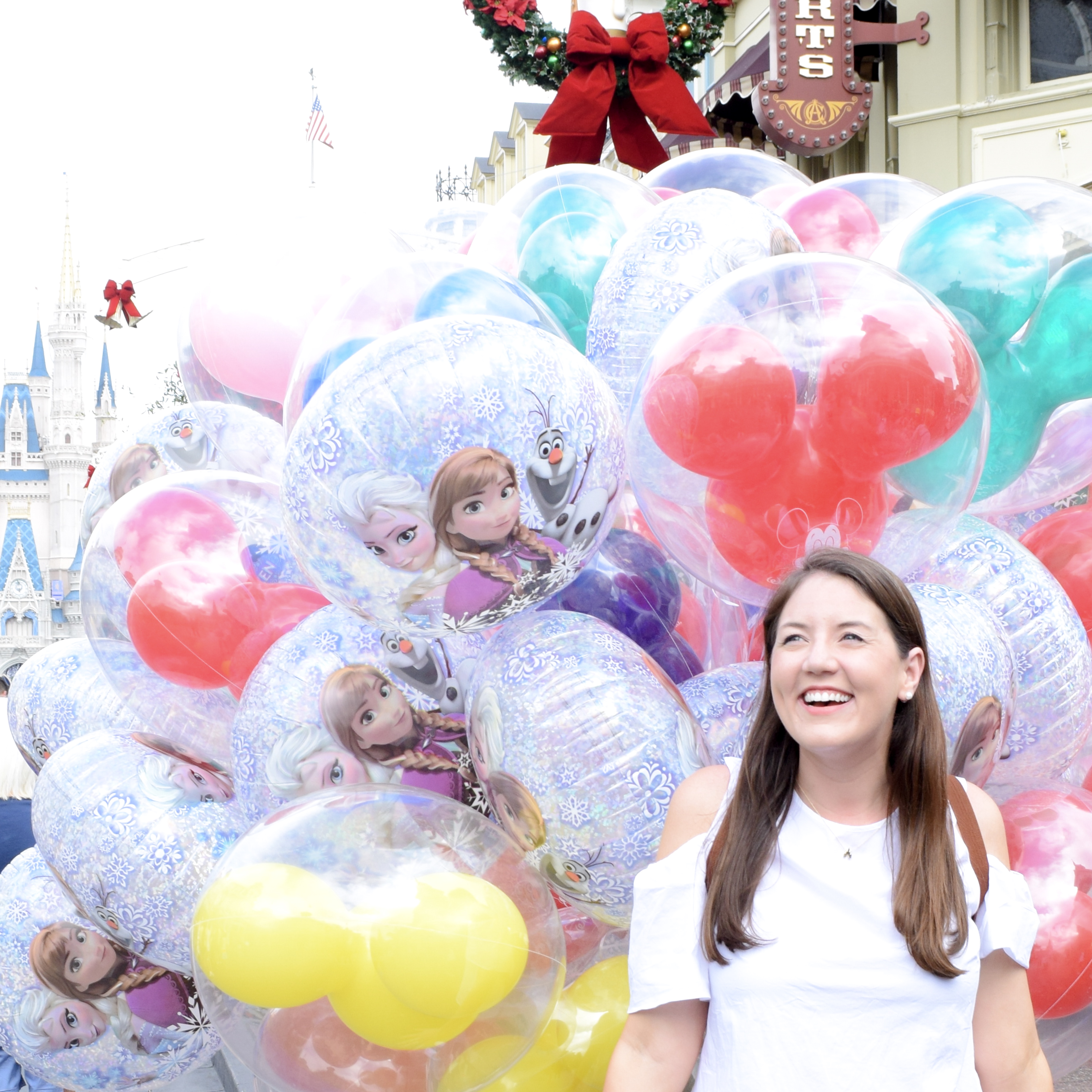 Top 10 places to take a photo in Disney World: Take A Photo With Disney Balloons