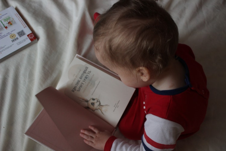 Parent Bloggers' Ultimate Secrets to Make Reading Time with Your Toddler Fun