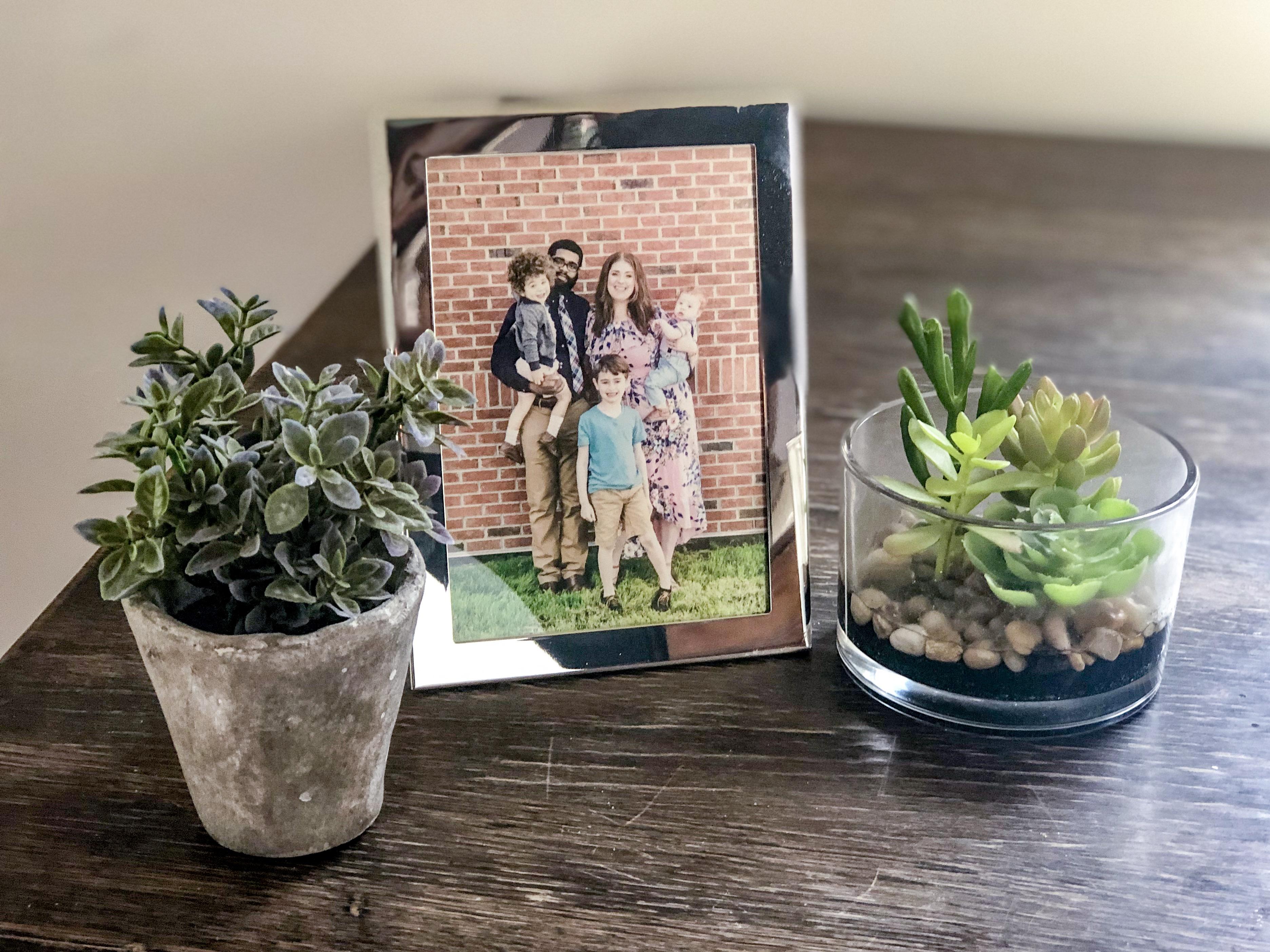 Family-Photo-Home-Life